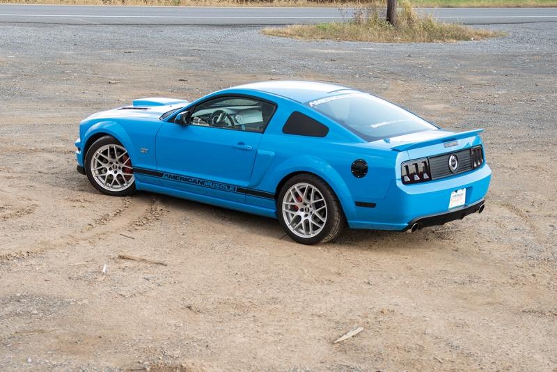 Blue-2006GT-Mustang-001