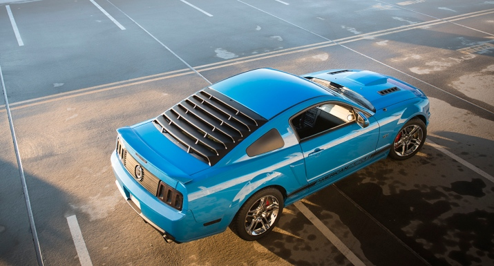 Mustang with louvers
