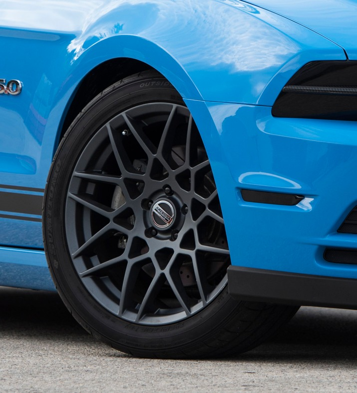 Blue-STS-Mustang-GT500Wheel