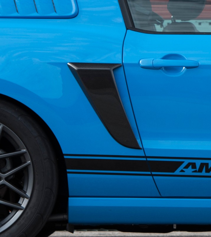Blue-STS-Mustang-Sidescoop-006