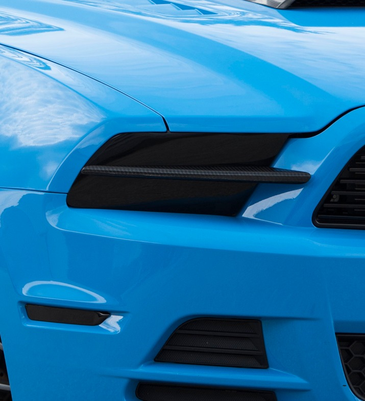 Blue-STS-Mustang-Sidescoop