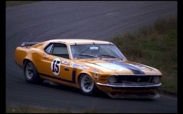 Parnelli Jones Boss 302 Mustang Racing