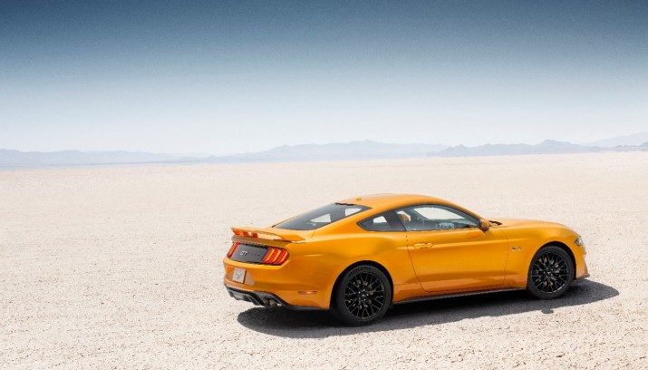 2018 Mustang GT Side Shot
