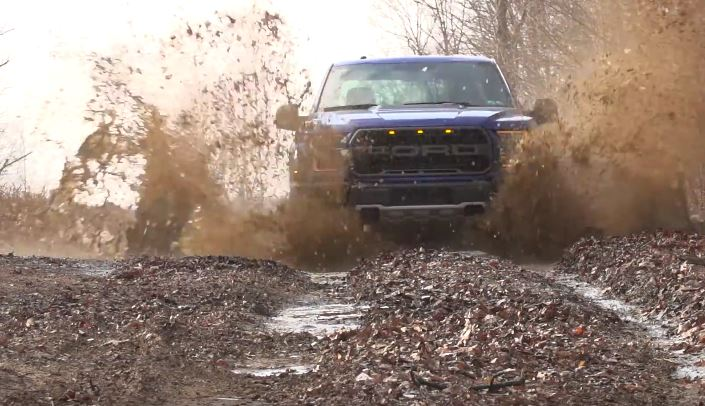 2017 Raptor Mud Crawling