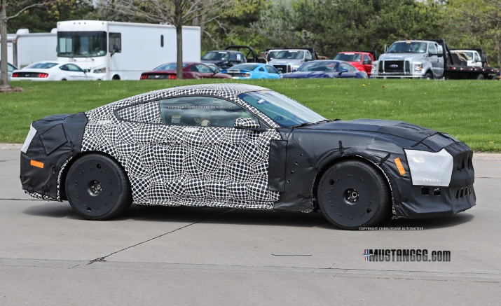 2019 Shelby GT500 Side View